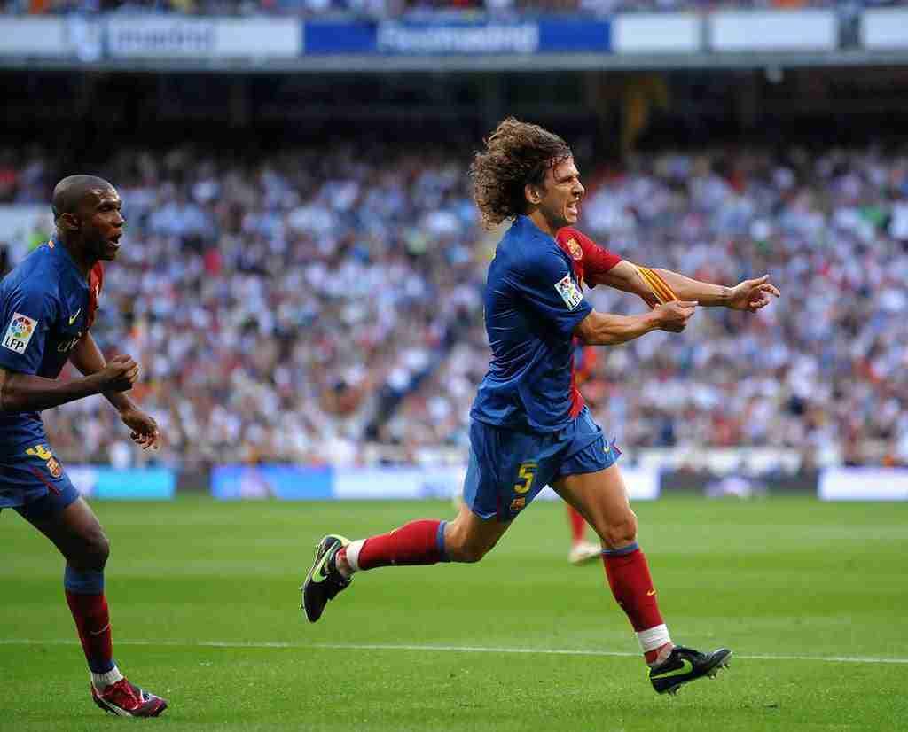 Carles Puyol marcando en el R.Madrid - F.C.Barcelona del 2 Mayo de 2008 que acabó con el resultado de 2-6