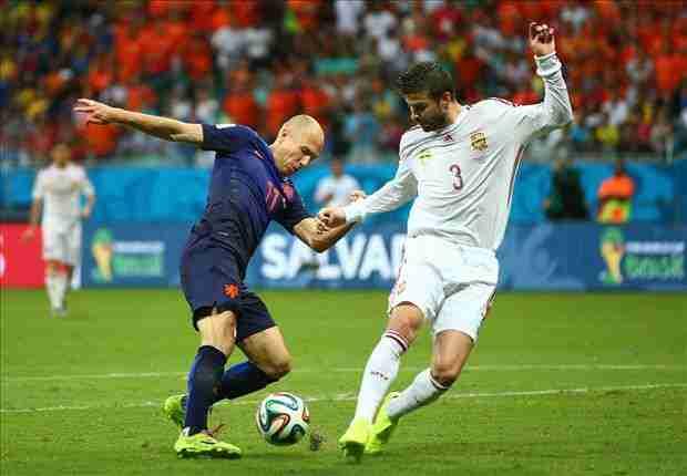 Piqué fue claramente superado en Holanda - España