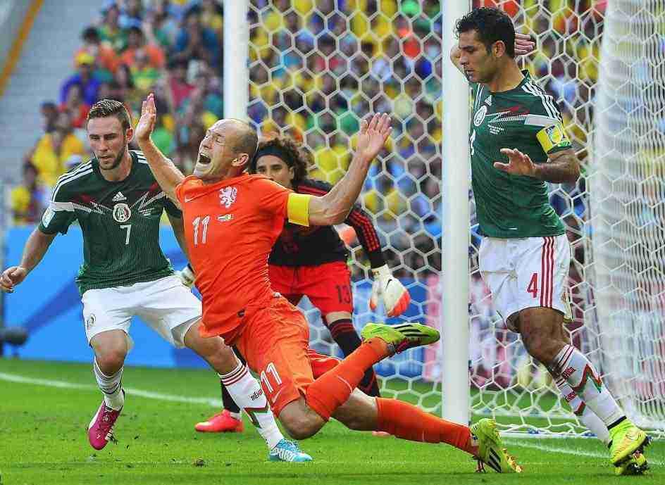 Penalti Robben Holanda Mexico