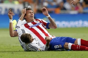 Mandzukic lucha con Ramos