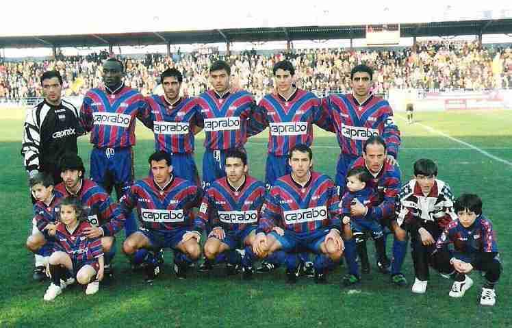 Once inicial del C.F. Extremadura en la temporada 98/99