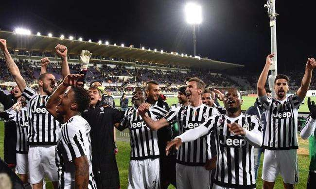 La Juventus celebrando el campeonato