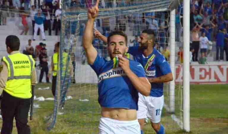 Fran Carles, celebrando un gol