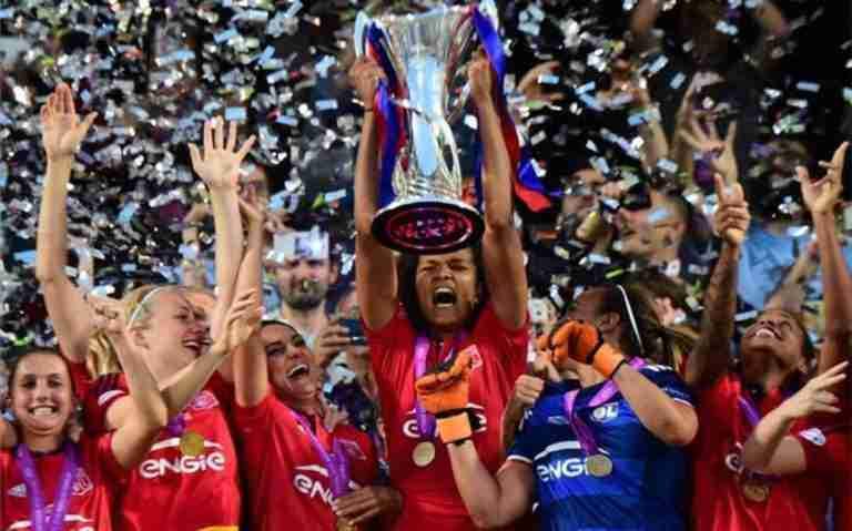 El Lyon levantando su tercera Champions (AFP)