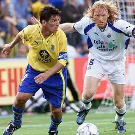 Orlando y Lussenhoff en un derbi canario de la Liga 2001-2002