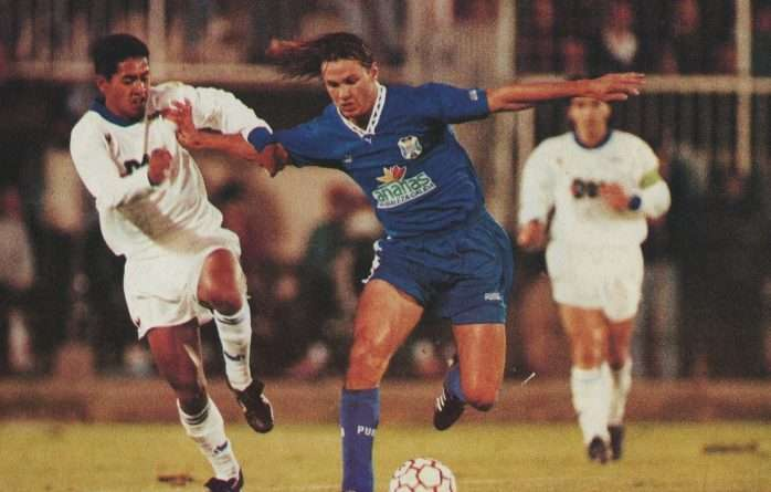 Fernando Redondo en el Auxerre Tenerife de la copa de la UEFA de la temporada 1993 1994