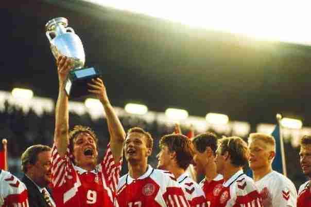 Dinamarca levanta trofeo Eurocopa Suecia 1992