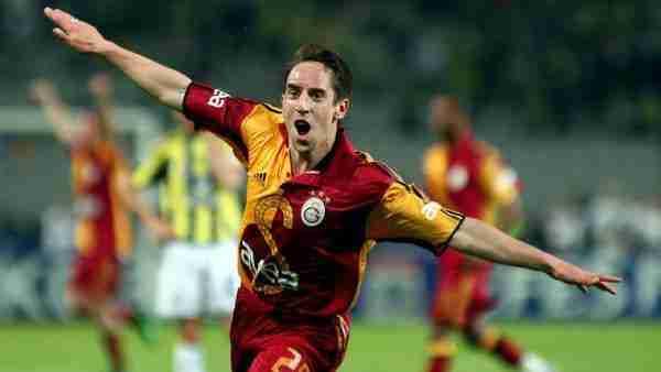 Franck Ribéry celebrando un gol con la camiseta de Galatasaray SK