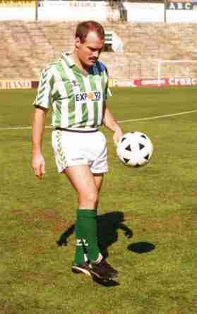 Ramón Calderé en su presentación con el Real Betis
