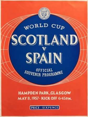 Cartel publicitario de un partido histórico, en lo negativo, para la Selección Española.