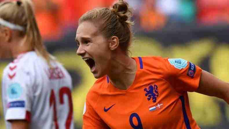 Vivianne Miedema, celebrando un gol con Holanda