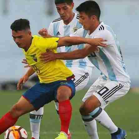 Almada juega Argentina sub 20