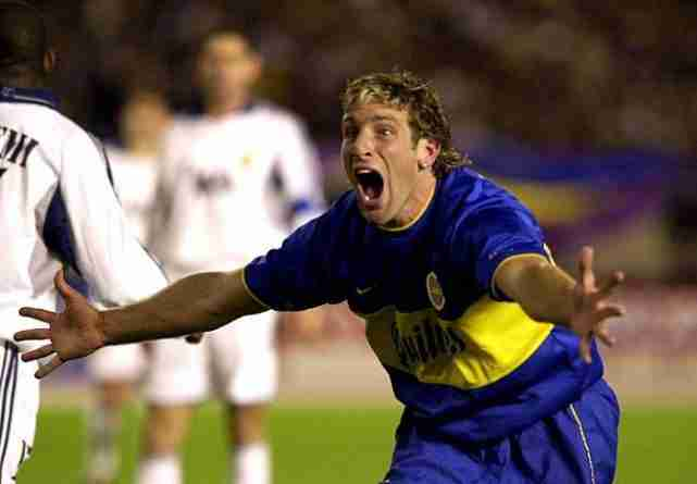 Palermo celebra gol de Boca Juniors contra el Real Madrid Intercontinental 2000
