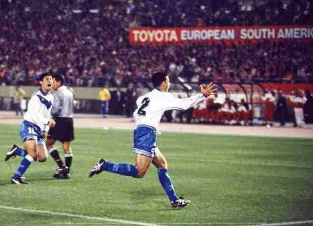 Roberto Trotta celebra gol Vélez final Copa Libertadores 1994