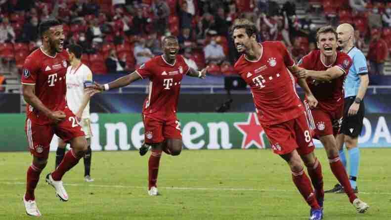 Javi Martinez celebra gol final Bayern Sevilla