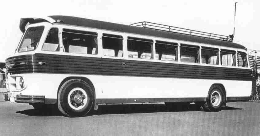 Autobús típico de los años 60 en España, marca Pegaso.