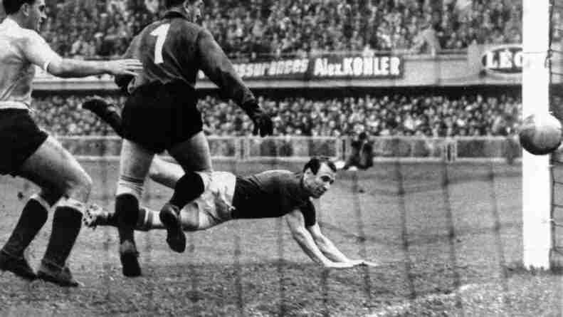 Hidegkuti, uno de los mágicos magyares, fue el autor del 2 a 0 frente a Uruguay en las semifinales del Mundial de Suiza de 1954