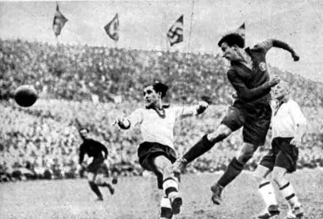 Isidro Lángara cabecea España Alemania