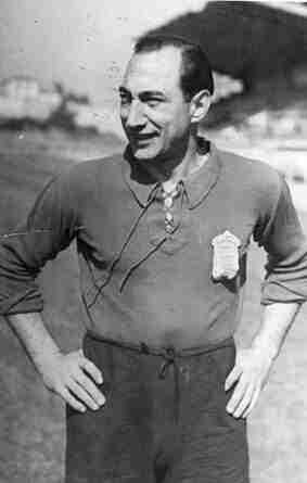 Isidro Lángara con la camiseta del Real Oviedo