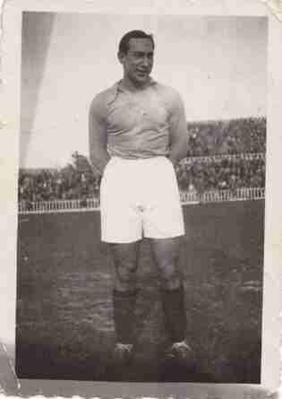 Isidro Lángara con la camiseta del Oviedo